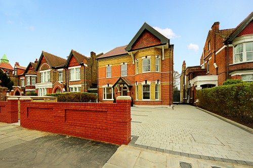 366 Ealing Common Launched to the Market