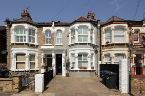 Carlyle Rd, W5.  Sold.  July 2020.
